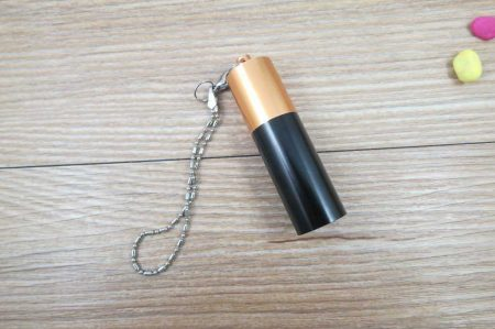 Memoria USB formato pila alcalina