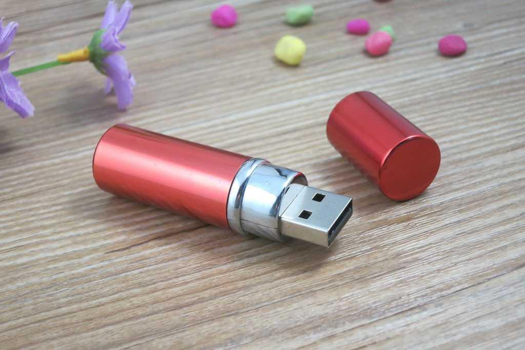 Memoria USB tubular