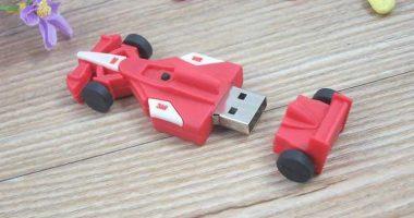 Memoria USB en PVC soft con forma de coche de carreras Fórmula 1