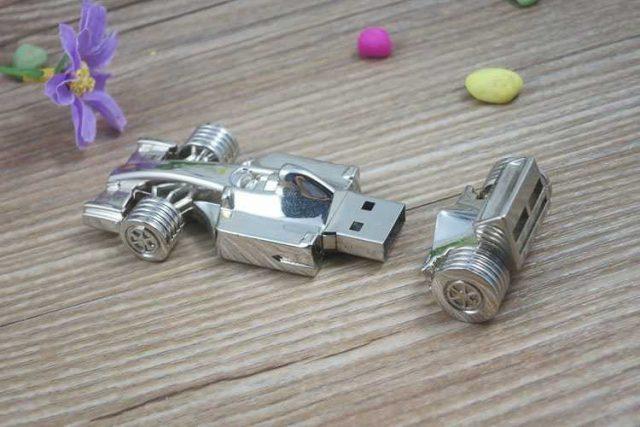 Memoria USB en formato coche Fórmula 1, metálico