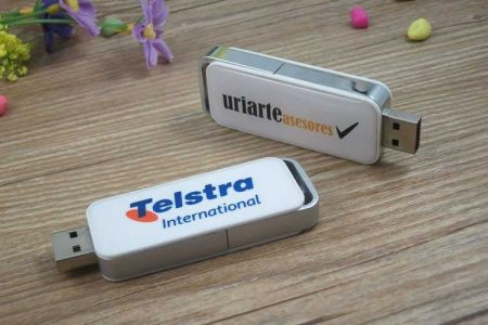 Pendrive USB con gota de resina (doming logo)