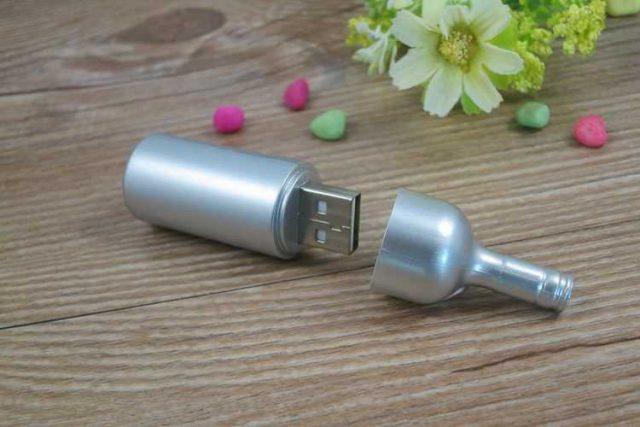 Memoria USB en forma de botella