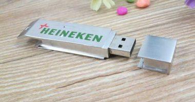 Memoria USB formato abridor metálico