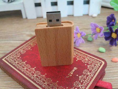 Memoria USB en madera, carcasa formato libro