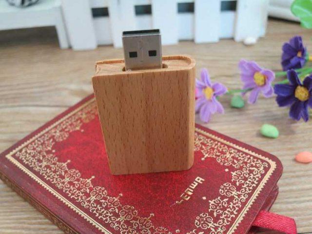 Pendrive USB madera formato libro