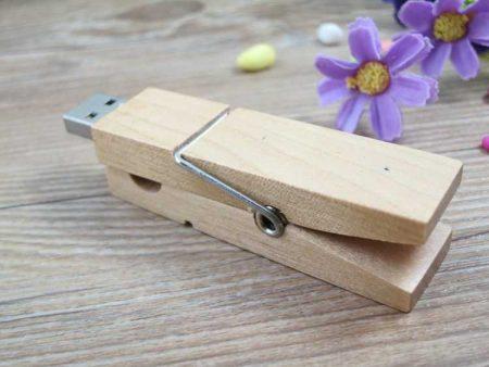 Memoria USB en madera, formato pinza para ropa