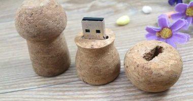 Memoria USB en corcho natural, formato tapón de botella de champán