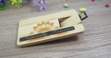 Pendrive tarjeta USB madera