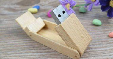 Memoria USB madera abatible