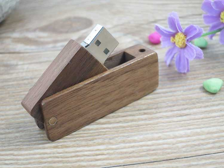 Memoria USB madera tapa giratoria