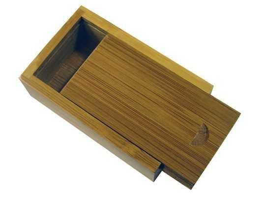 Caja madera memorias USB P16
