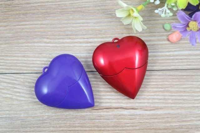 Pendrive USB forma corazon