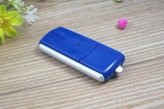 Memoria USB pendrive articulado giratorio