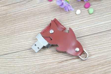 Pendrive cuero memoria USB forma pez