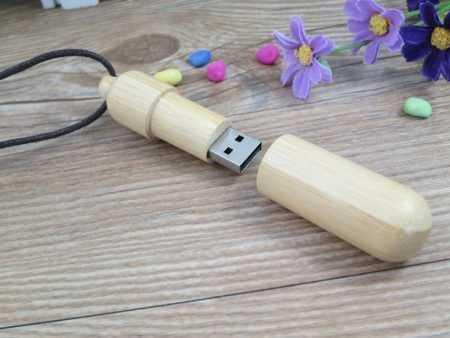 Pendrive memoria USB madera colgante