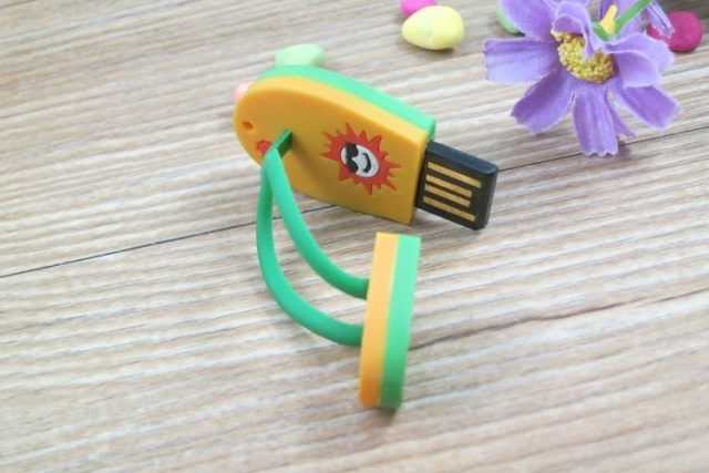 Pendrive mini memoria USB chancla