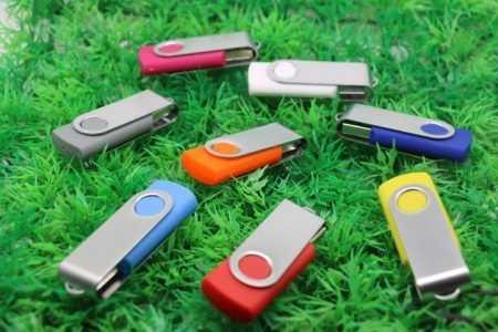 Pendrive clasico memoria USB giratoria
