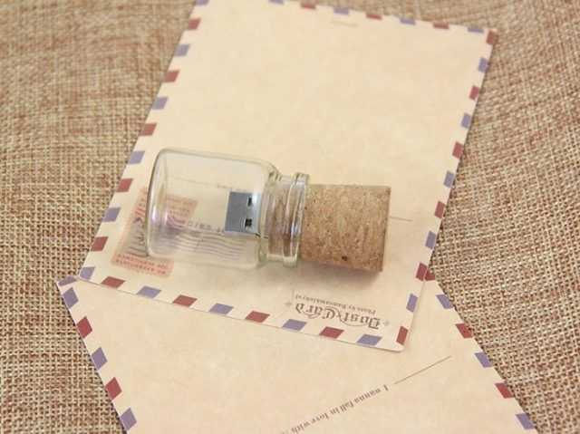 Pendrive USB frasco cristal tapon corcho
