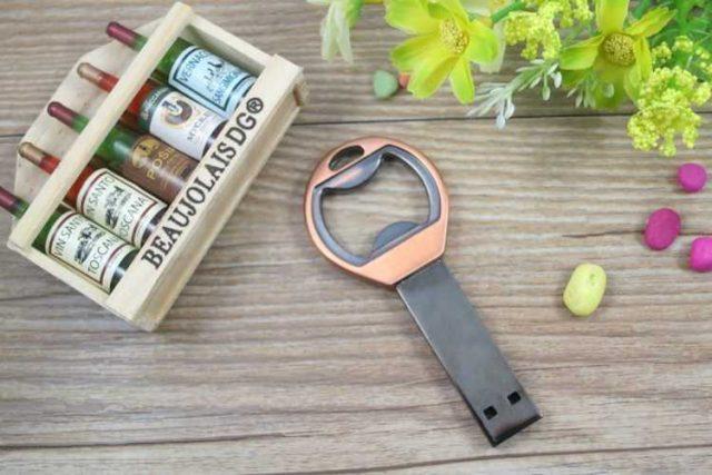 Memoria USB metal sacachapas