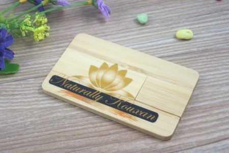 Tarjeta USB madera